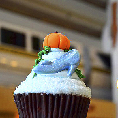 Contemporary Resort Cupcake Photo Gallery
