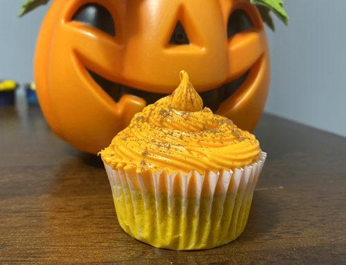 Pumpkin Spice Vanilla Cupcakes!